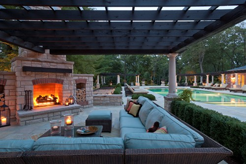 Elegant outdoor natural gas fireplace